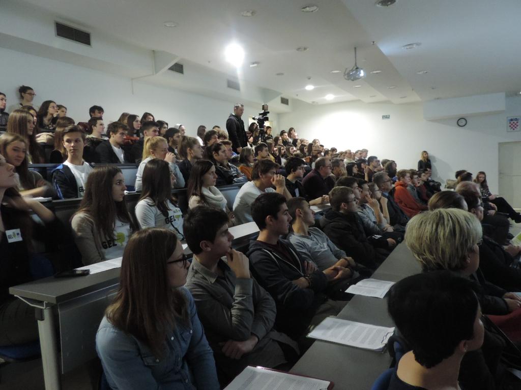 Publika za vrijeme plenarnih izlaganja (2).